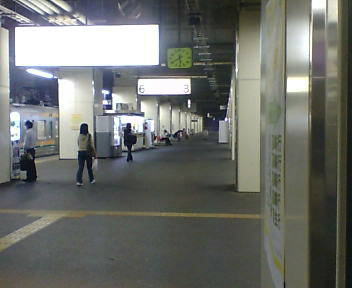 両毛線小山駅ホーム